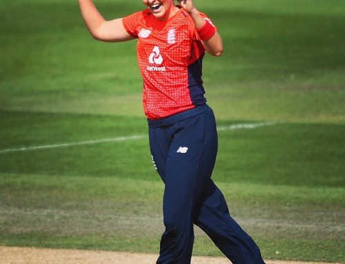 KATE CROSS ON THE LIFE OF A PROFESSIONAL CRICKETER AND MANAGING HER MENTAL HEALTH